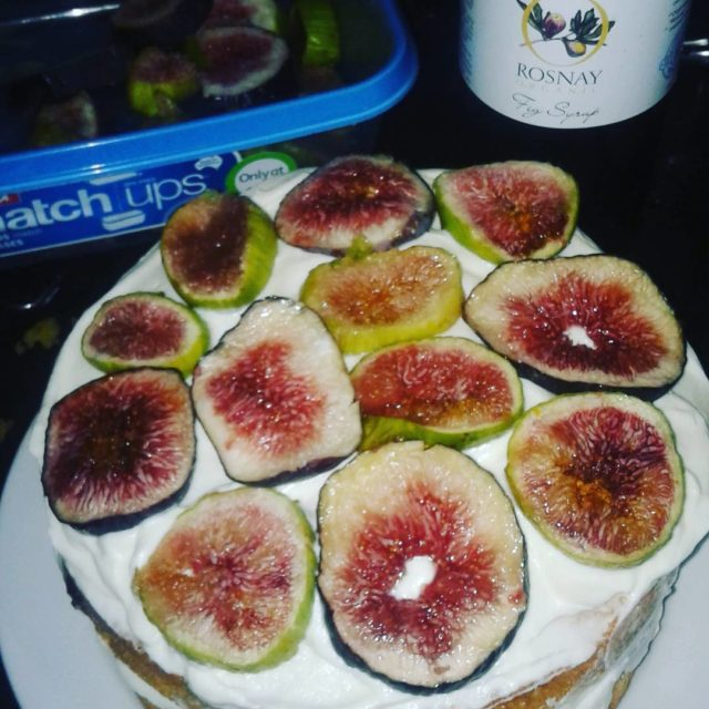 The first figs of the season perfect for the endhellip